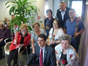 Marc Castells, Alcalde d'Igualada i President del CSSI, celebrant la diada de Sant Jordi amb els llogaters del Residencial ViuB2